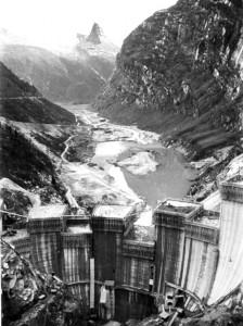 Bau der Staumauer, Zerfreila, 1957